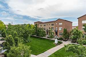 MLS # 1620036 : 220 ROSLYN UNIT 710
