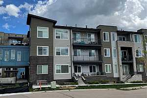 Browse active condo listings in LITTLETON VILLAGE