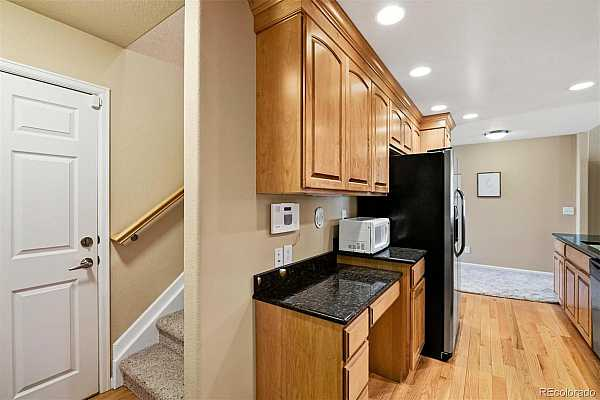 Photo #5 Fantastic floor plan with back staircase to upper loft