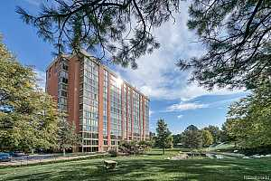 Browse active condo listings in WATERFORD CONDOS