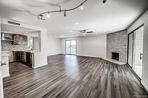 Browse active condo listings in GOVERNORS PLACE